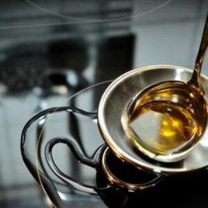 Masih Suka Simpan Minyak Goreng di Wadah Kaleng? Hindari dari Sekarang
