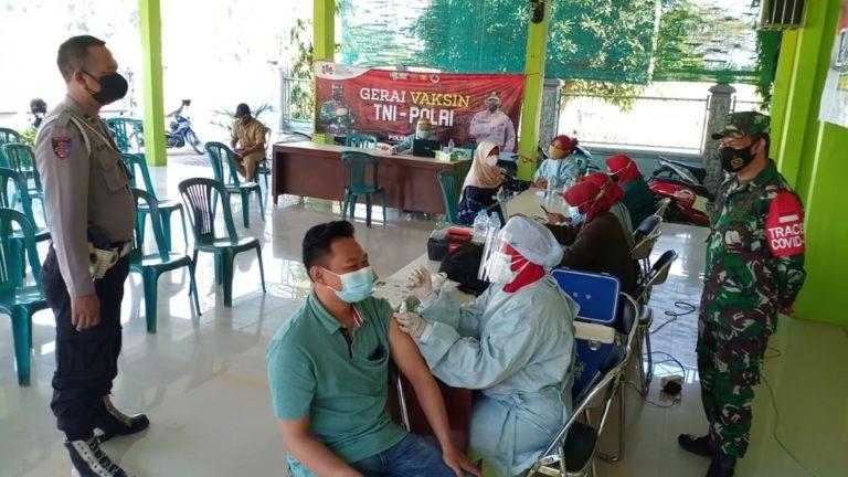 Polsek Dukun Kawal Dan Sukseskan Gerai Vaksin Presisi