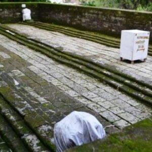 Siasat Senopati Kerajaan Kedah Kelabui Musuh, Makam Panjang 7 Meter di Gresik