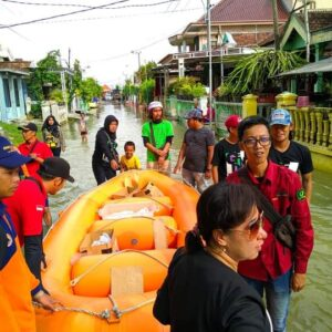 Gresspedia Peduli Bencana Bersama Komunitas di Gresik dan Surabaya