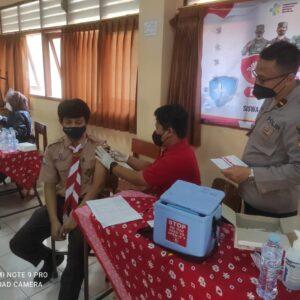 Pelajar SMP di Gresik Jalani Vaksinasi Semeru di Sekolah